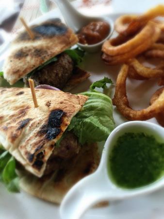 Entre Bocas Fusion Bites: Beef Sliders