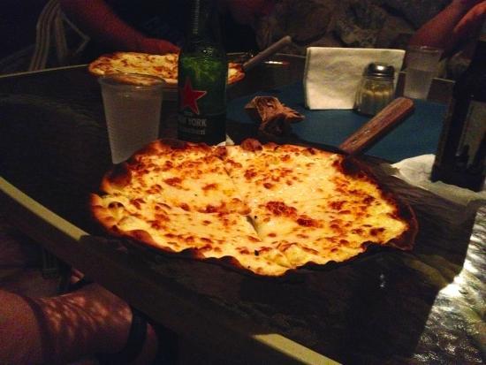 Mi Familias Pizzeria: White Pizza