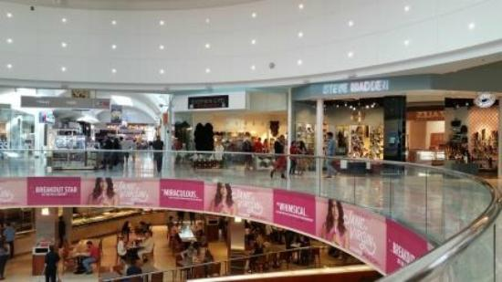 Westfield garden state plaza louis vuitton picture of - 1 garden state plaza paramus nj 07652 ...