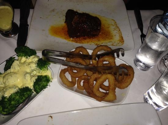 The Classic Western Steakhouse: Onion rings and broccoli with bearnaise (both awesome)