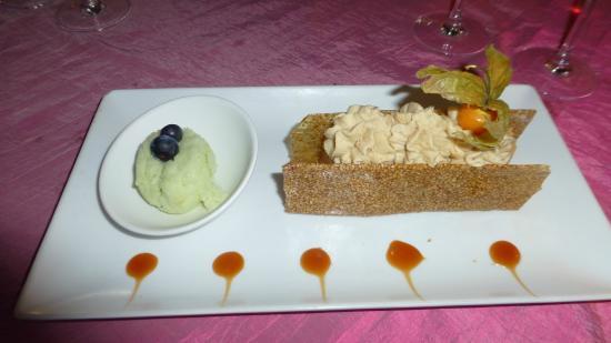 Auberge de Tavel: dessert aux pommes