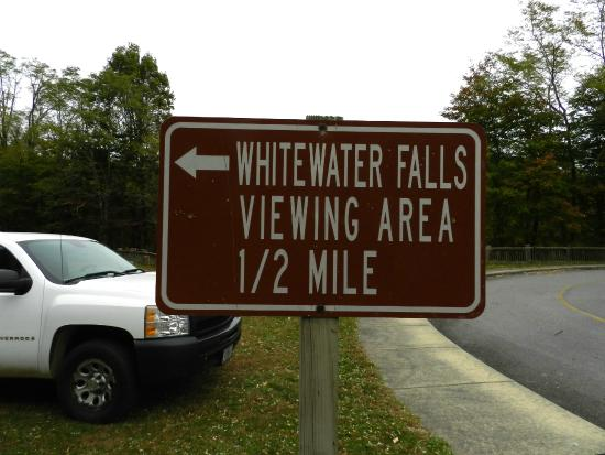 Whitewater Falls: 1 mile round trip paved hike