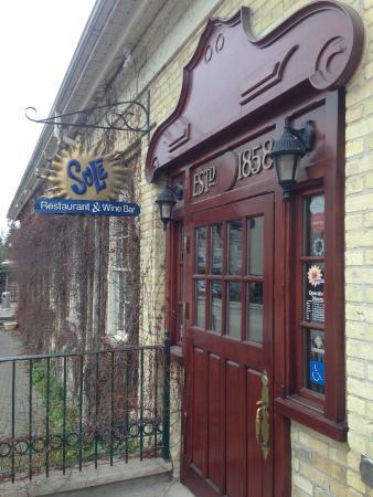 Sole Restaurant and Wine Bar: Main entrance