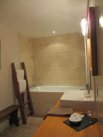 Le Rézinet  : Bathroom