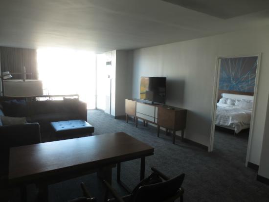 Le Meridien Atlanta Perimeter: living room