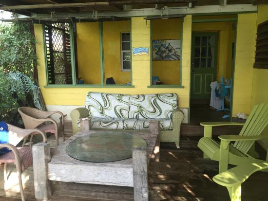 Surfer's Point Guest House: The driftwood suite front porch