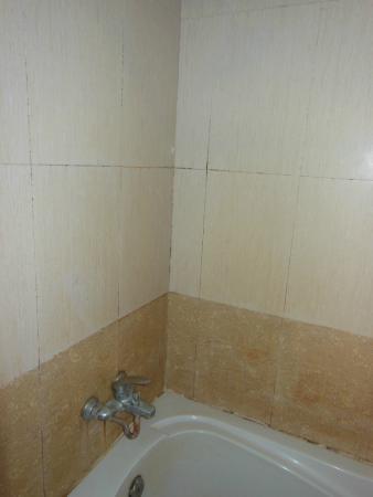 Tan Kang Angkor Hotel: bathroom