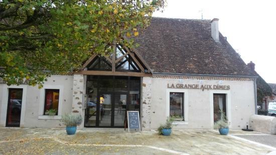 La Grange aux Dimes: le restaurant