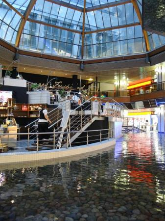 Europa-Center: cafe on the water