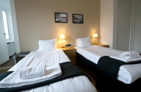 Port Hotel: Double Room with twin beds