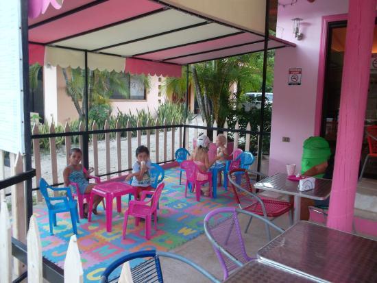 Panaderia & Heladeria Princesa Bakery & Ice Cream Parlor: Kid's Corner/ Rincon de Ninos