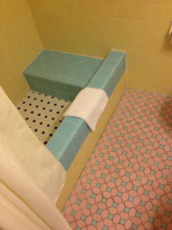 Eastward Strand - Hotel & Suites: banheiro antigo