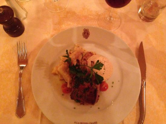 La Petite Chaise: Lamm mit ausgueichnetem Kartoffelgratain