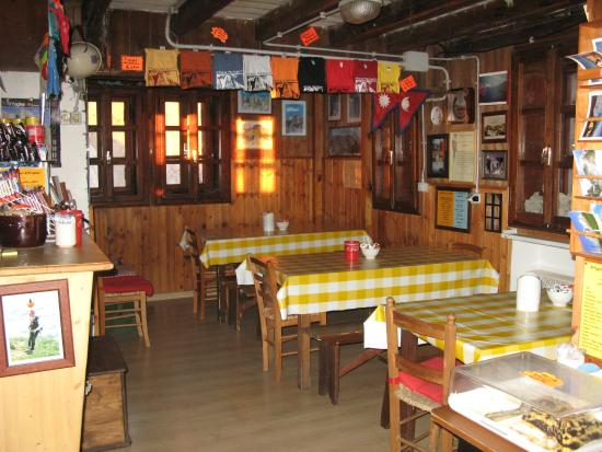 Rifugio Franchetti: La sala del rifugio