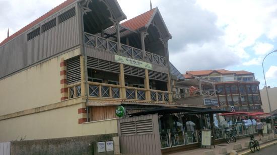 Café Maritime, beaucoup plus visible désormais que La Villa Margalex
