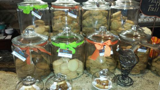 Cafe at the Ridge : Choice of cookies