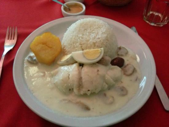 Chan Chan : Enrrollado de pescado con arroz y papas