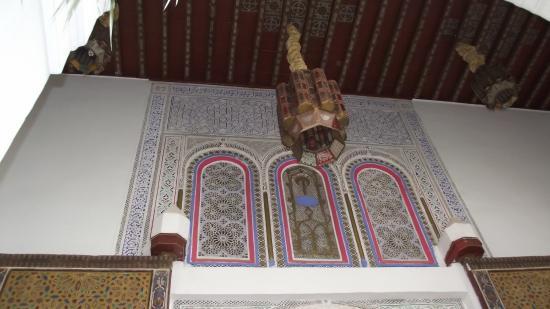 Riad & Spa Esprit du Maroc: Des plafonds haut en couleurs