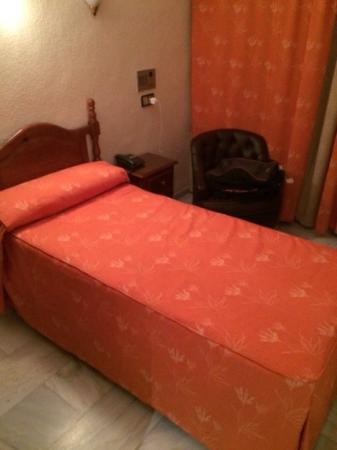 Hotel Averroes: Ésta es la mini-cama