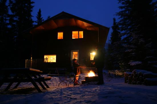 Little Atlin Lodge: Winter BBQ by the fire