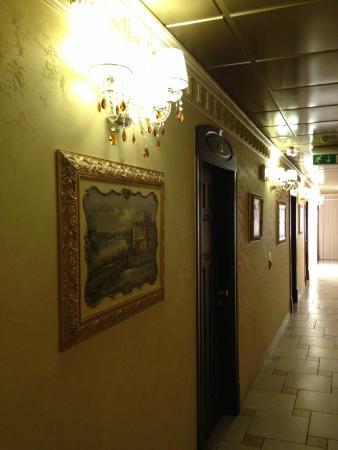 Hotel Riva del Sole : corridoio