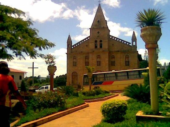Grao Mogol, MG: Igreja Matriz de Santo Antônio