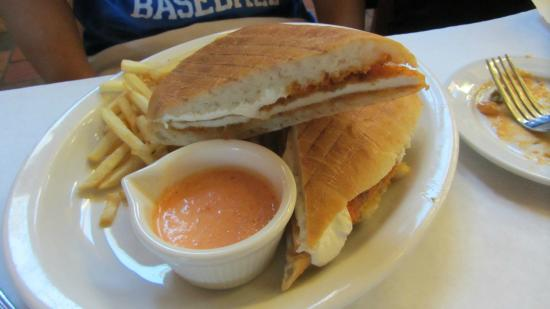 Cafe Baci: Chicken Parmigiana Panini