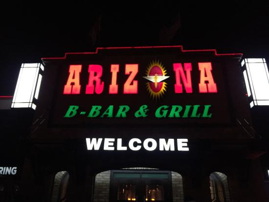 Arizona B-Bar & Grill: スポーツバー!