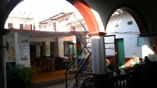 Hotel Miramar: Patio interior agradable pero sin llegar a ser encantador (en construcción creo)