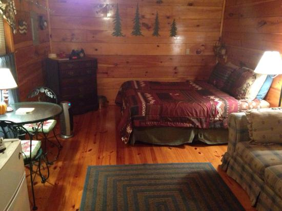 Brownwood Bed and Breakfast and Cabins: Number 3
