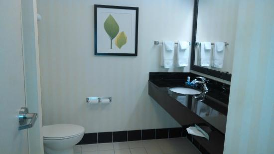 Fairfield Inn & Suites Wilmington/Wrightsville Beach: Modern and Clean
