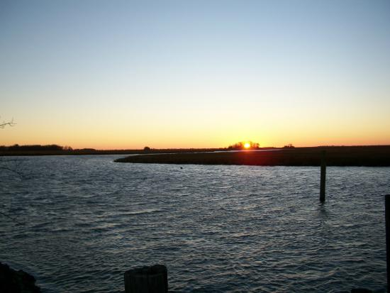 The Landing Restaurant: Sunset from the porch at Newport Landing, December