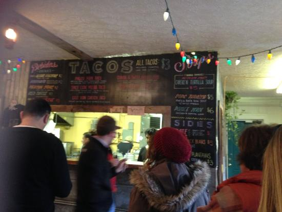 Mas Tacos: Menu board