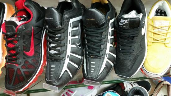 f1ce24e34 Sports Shoes - Bild från MBK Center (Ma Boon Khrong Center), Bangkok ...