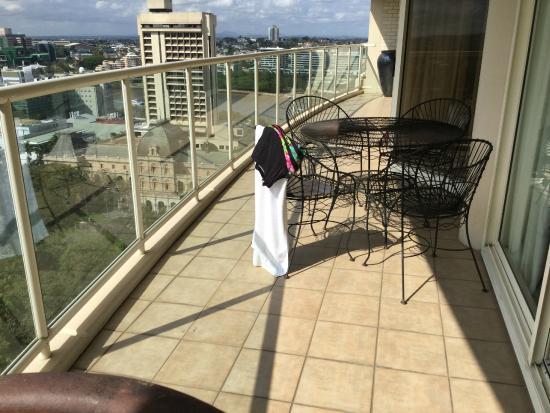 Quay West Suites Brisbane: Huge balcony