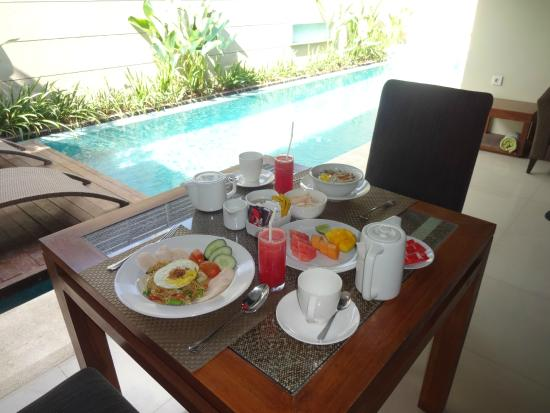 Pradha Villas: Breakfast cooked in our villa each morning