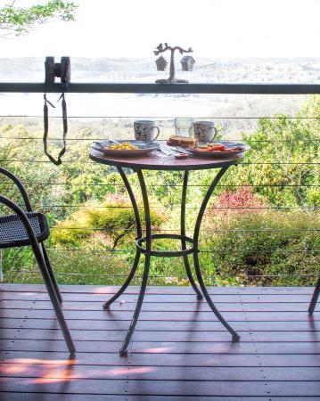 Montville Misty View Cottages: breakfast