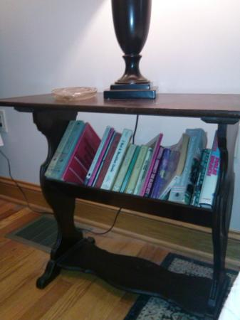 Kane Manor Country Inn: book rack - One book titled