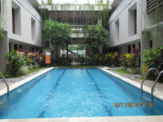The Legian Sunset Residence : Belle piscine propre et bien entretenue