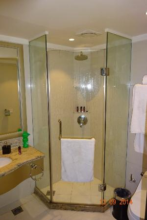 Chun Hui Yuan Resort: shower