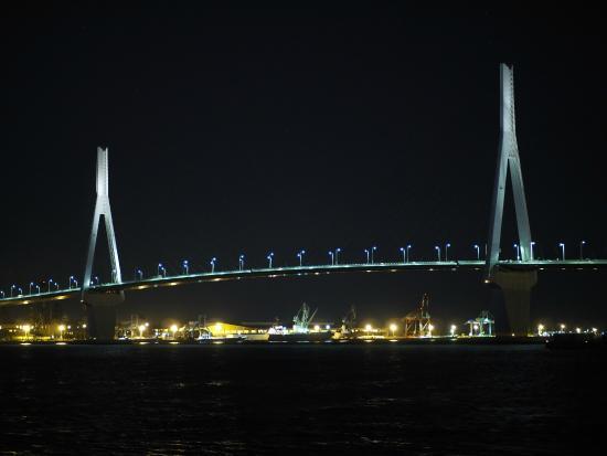 Wing Bridge (Tsurumi Tsubasa Bridge)