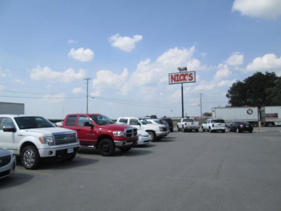Nick's Bar-B-Q & Catfish Restaurant: Nick's Parking Lot