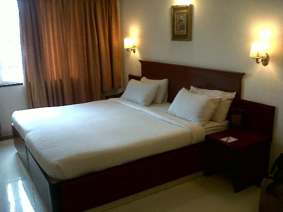 Hotel Rathna Residency & Vista Rooms