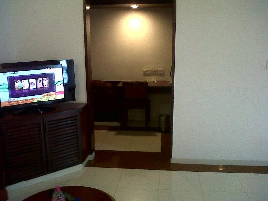 Hotel Rathna Residency & Vista Rooms: room