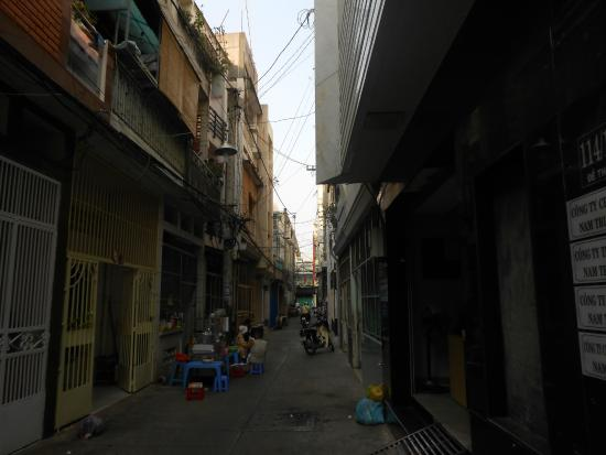 Yellow House Saigon Hotel : Тихий переулок