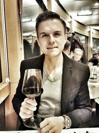 dasTURM: Gute regionale Weinauswahl