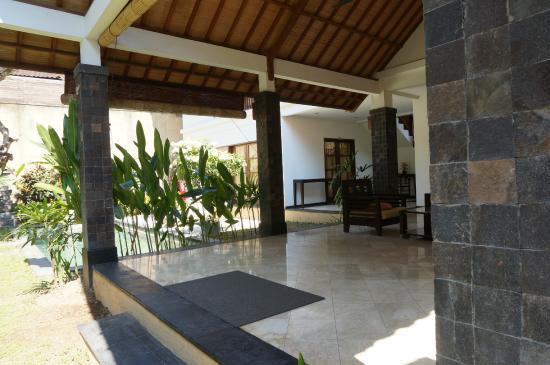 Dampati Villas: Salón