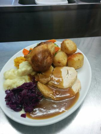 Delabole, UK: Sunday roast at the bettle and chisel great value at £6.50