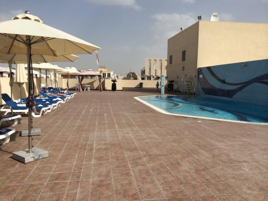 Piscine picture of gateway hotel dubai tripadvisor for Tripadvisor dubai hotels