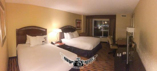 DoubleTree by Hilton Hotel Greensboro: small room